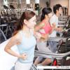 ジム内でのエクササイズ、プール、ランニング、テニスなどのイメージを収録したバリエーション豊かなフィットネス素材集です。